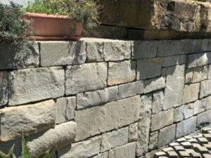 Trockenmauerstein Grau Sandstein 2